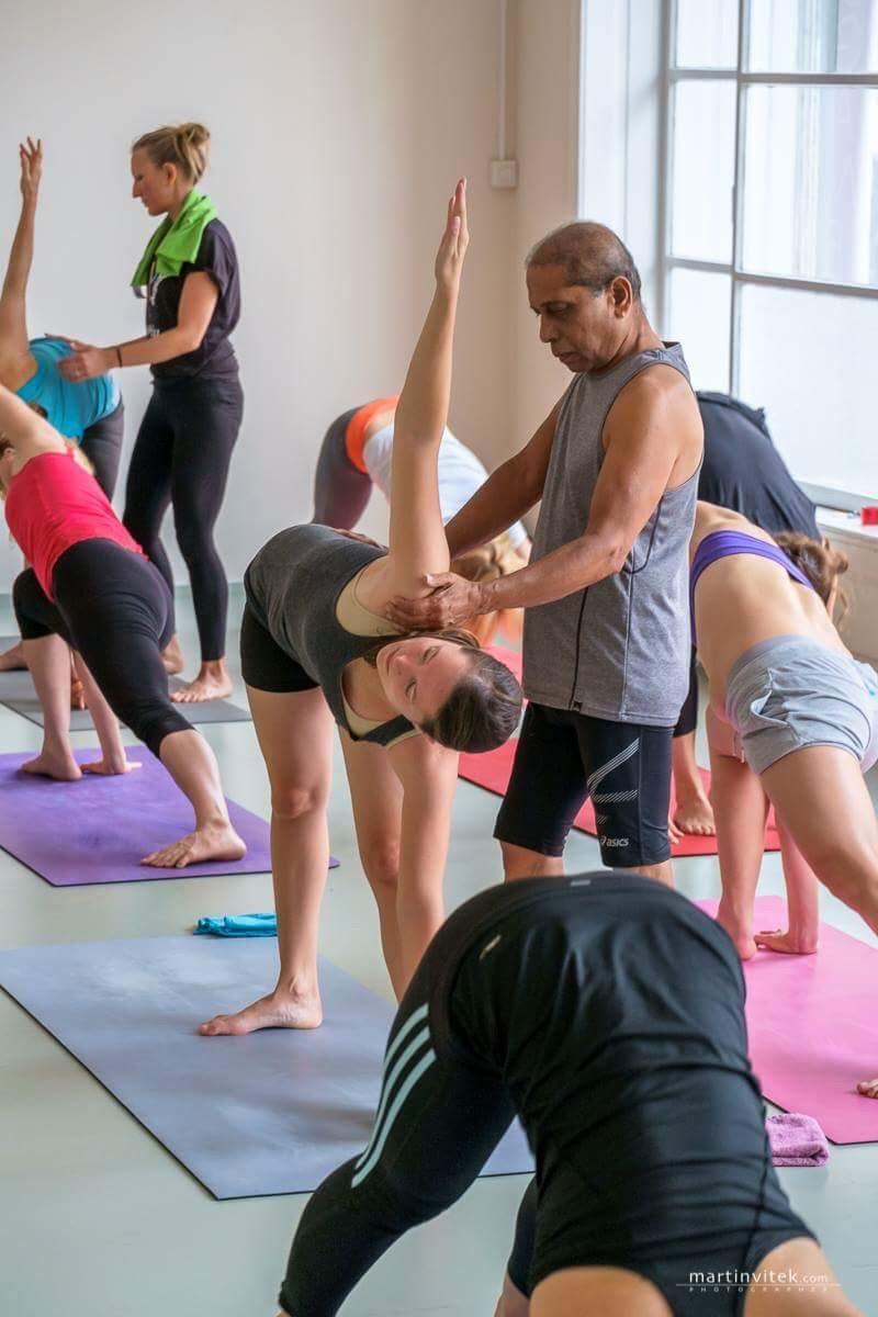 nimble-yoga-training-mit-manju